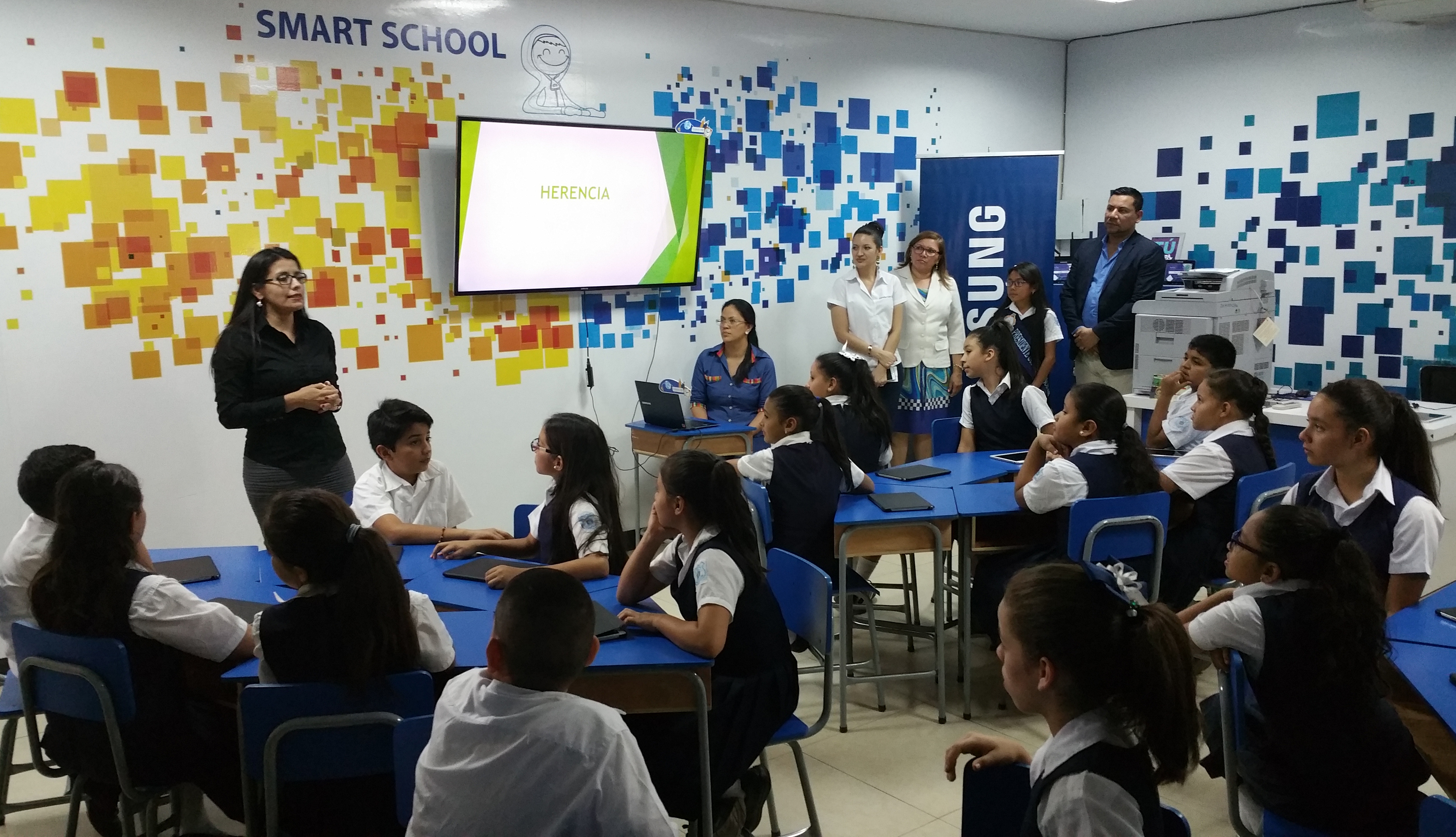 Smart School donada por Samsung-Glasswing