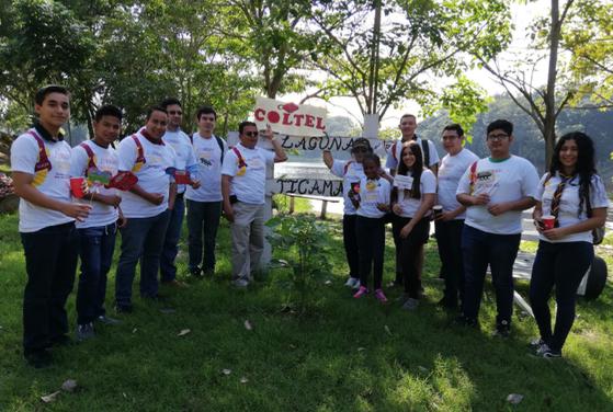 Voluntarios Grupo Coltel en Laguna Ticamaya listos para comenzar su jornada de voluntariado.