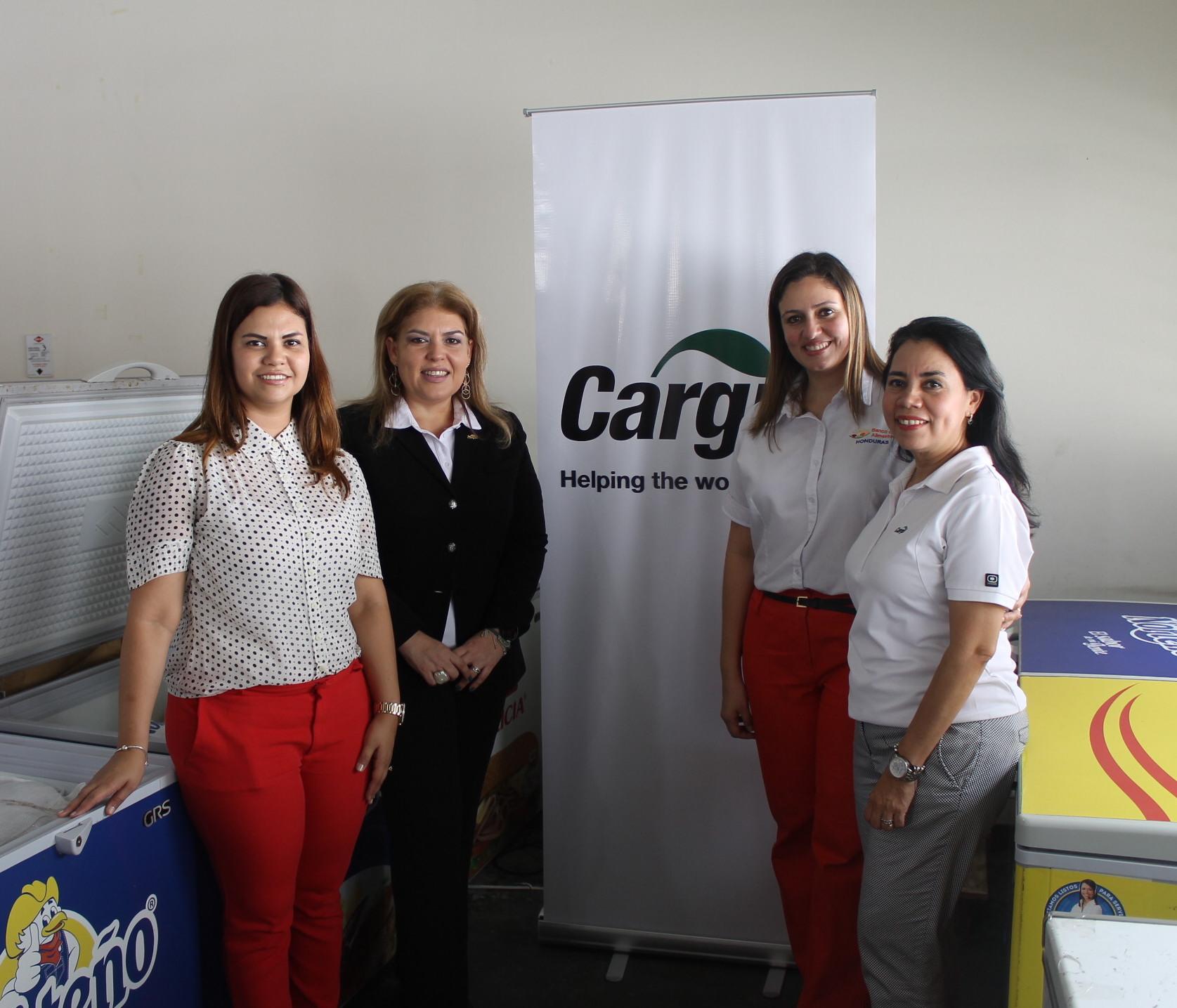 Linda Marin de BAH, Blanca Villela de Cargill, xx y Liliana Barahona de Cargill.
