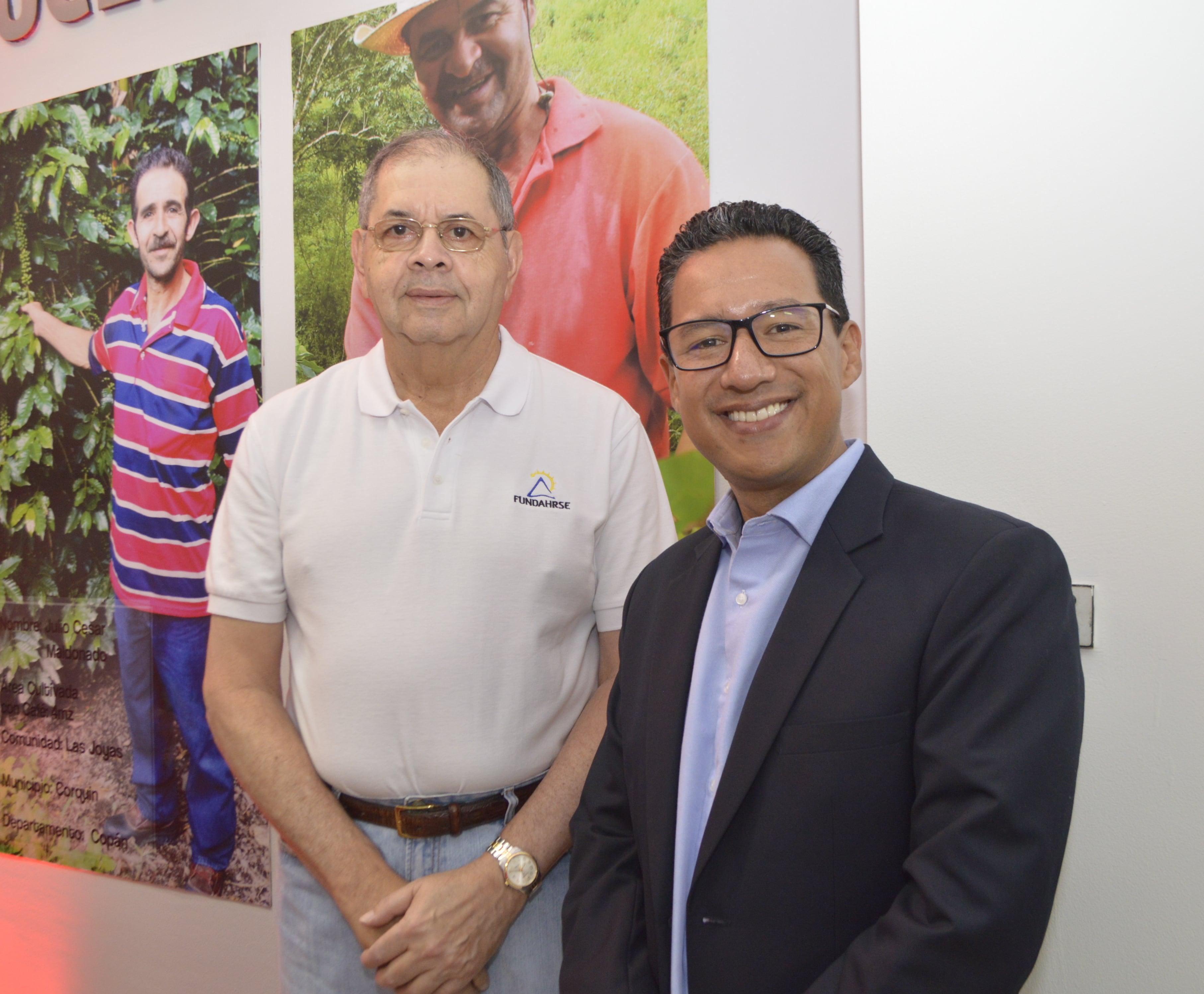 Sres. J. Roberto Leiva, director ejecutivo de Fundahrse y Eduardo García, Gerente General Nestlé Hondureña.