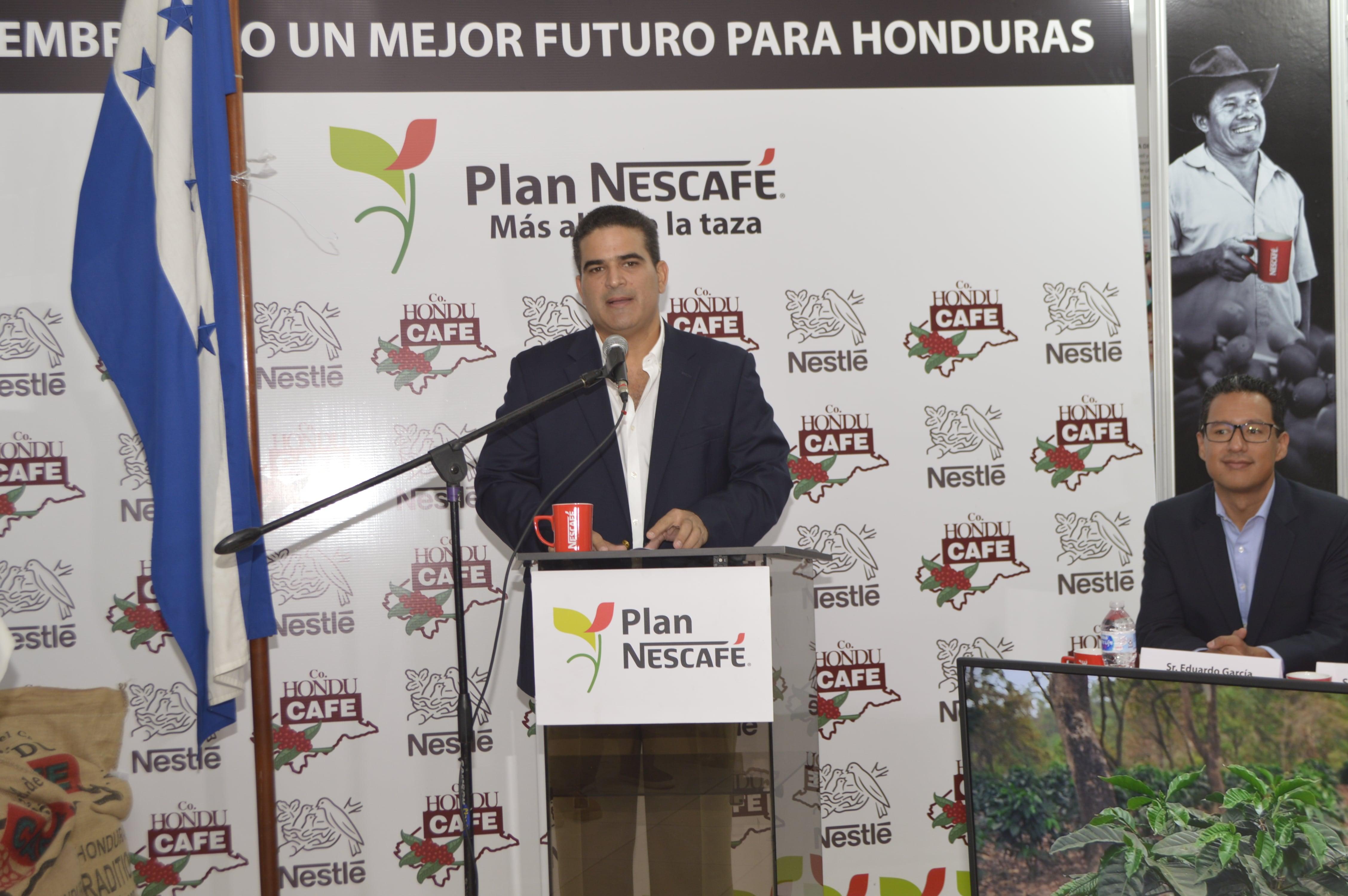 Sr. Terence Fuschich, Presidente de Fundación Co Honducafé durante su discurso en el evento.