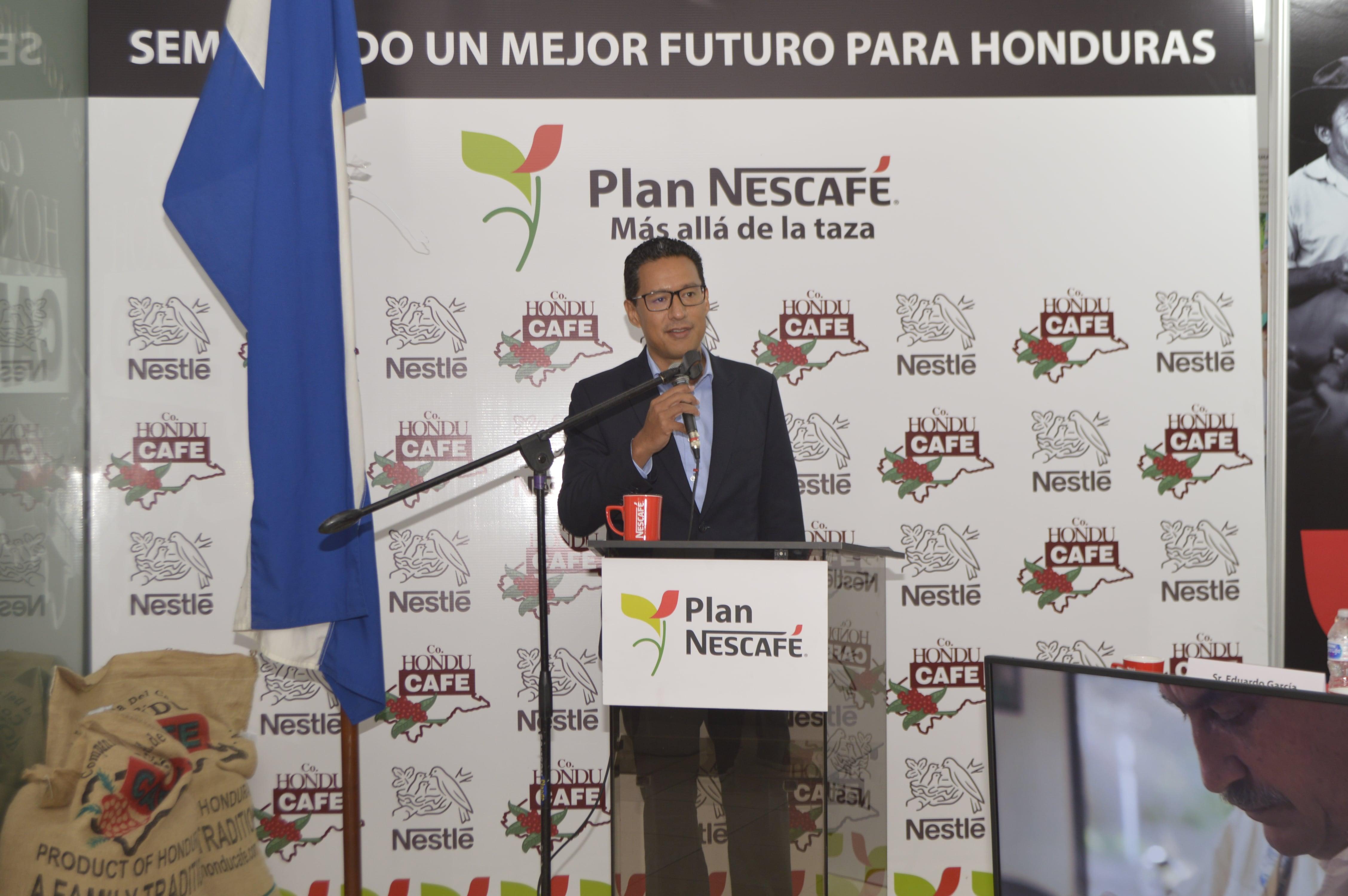 Sr. Eduardo García, Gerente General Nestlé Hondureña.