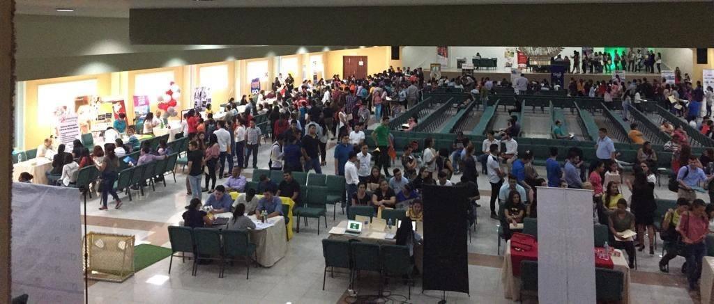 Alrededor de dos mil personas circularon durante la feria de empleo, y destacadas empresas estuvieron presentes: Diunsa, Gildan, Grupo Intur, Supermercados El Colonial, entre otras.