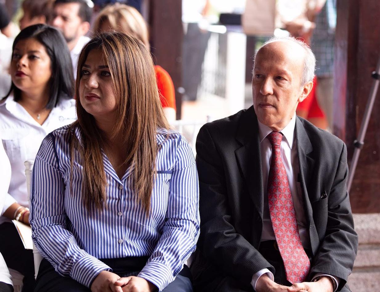 Eilyn Maldonado, Coordinadora RSE FUNDAHRSE Zona Centro Sur y Eugenio Sánchez, Asesor Asuntos Externos.